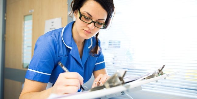 how to become a diabetes specialist nurse